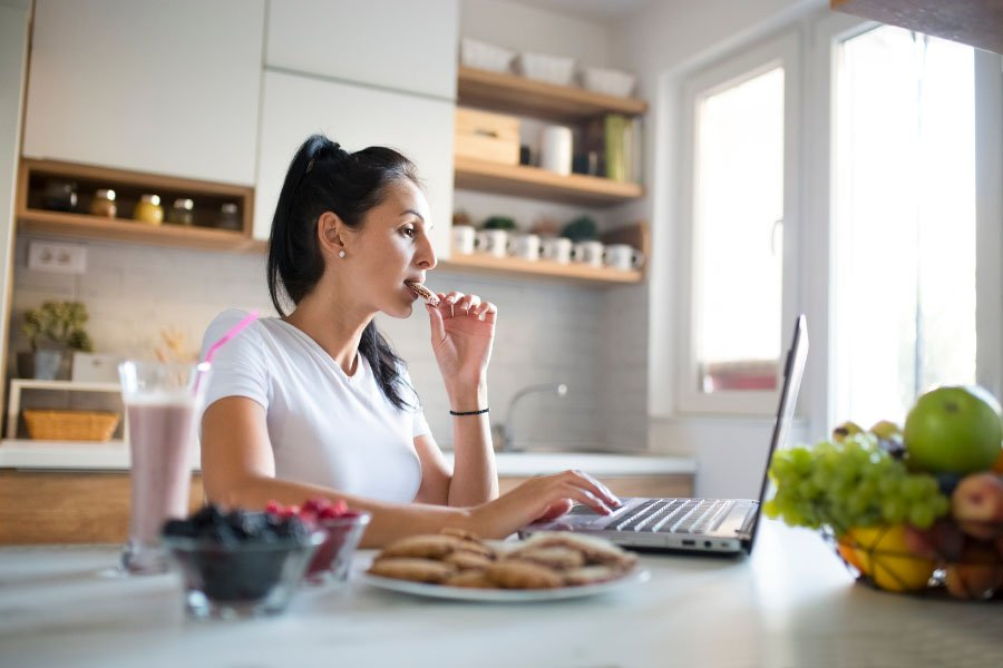 Healthy Eating Schedule While Working From Home